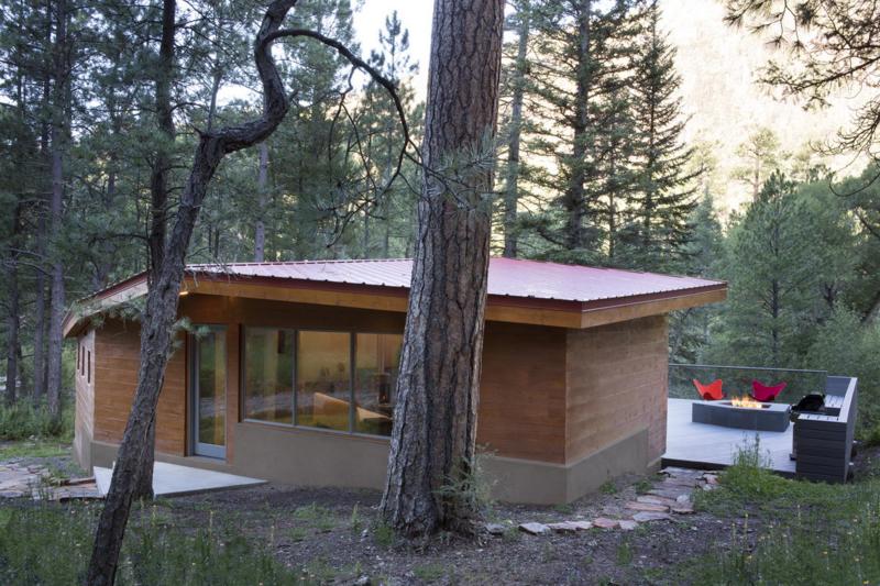 Pecos River Modern Cabin - Setting among Ponderosa Pines